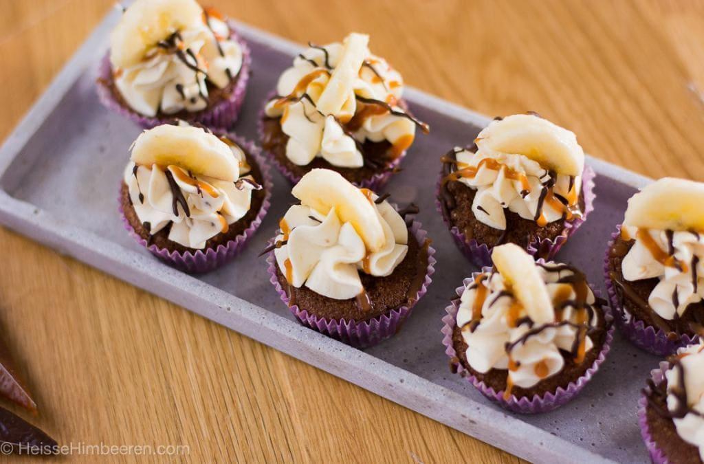 Schoko Bananen Cupcakes mit salzigem Karamell in 30 Minuten
