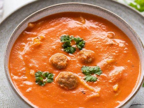Tomatensuppe Rezept mit Hackbällchen